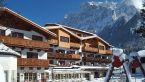 Family_Wellnesshotel_Tirolerhof-Ehrwald-Exterior_view-433007.jpg