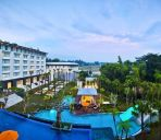 Außenansicht HARRIS Hotel and Conventions Malang