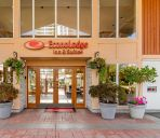 Außenansicht Econo Lodge Inn and Suites North Vancouv