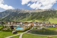 Schneeberg Hotel Family Resort & SPA Racines