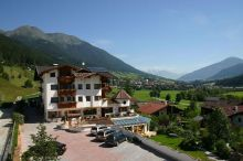 Family Resort Stubai - Hotel Atzinger Fulpmes im Stubaital