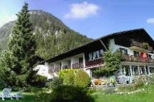 Haus Achtal Gästehaus / Garni