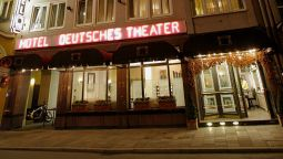 Exterior view Deutsches Theater Garni