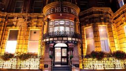 Buitenaanzicht The Met Hotel PH Hotels