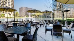Buitenaanzicht DoubleTree Club by Hilton Orange County Airport