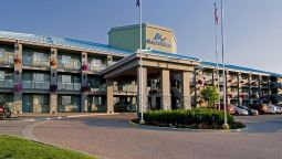 Exterior view Accent Inns Kamloops