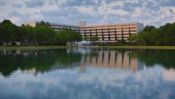 Buitenaanzicht DoubleTree Suites by Hilton Raleigh - Durham