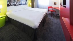 Standard room ibis Styles Cannes Le Cannet