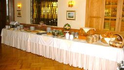 Breakfast buffet Hotel Velden Bacherlwirt