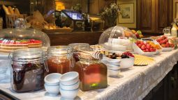 Breakfast buffet Hotel Izan Avenue Louise