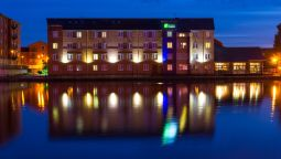 Exterior view Holiday Inn Express CARDIFF BAY