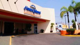 Exterior view HOWARD JOHNSON LAS TORRES PLZ