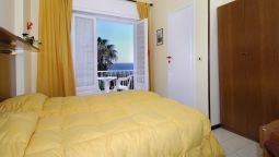 Room with terrace Nettuno