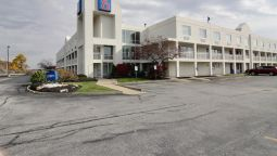 Exterior view MOTEL 6 CLEVELAND-WILLOUGHBY