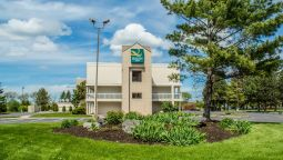 Exterior view Quality Inn East Syracuse