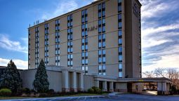 Exterior view Crowne Plaza NEWARK AIRPORT