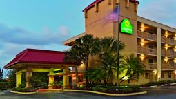 Exterior view LA QUINTA INN W PALM BEACH FLORIDA TURNP