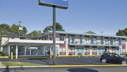 Exterior view BLOOMINGTON TRAVELODGE