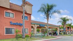 Exterior view TRAVELODGE LYNWOOD CENTURY FRW
