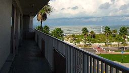 Exterior view TRAVELODGE CLEARWATER BEACH FL