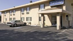 Exterior view TRAVELODGE MEDFORD OR