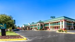 Exterior view Quality Inn Fort Campbell
