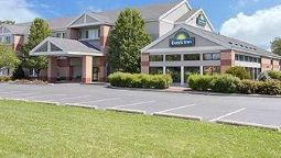 Exterior view DAYS INN & SUITES MADISON