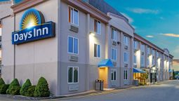Buitenaanzicht DAYS INN HARTFORD-CLOSEST DOWN