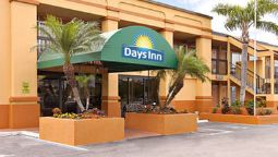 Exterior view DAYS INN FORT MYERS NORTH