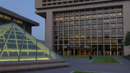 Exterior view L'Enfant Plaza