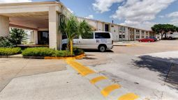 Exterior view MOTEL 6 HOUSTON HOBBY