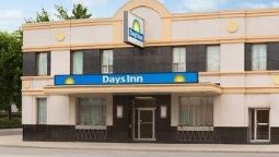 Buitenaanzicht DAYS INN TORONTO EAST BEACHES