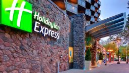 Buitenaanzicht Holiday Inn Express EDMONTON DOWNTOWN