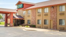 Exterior view Quality Inn Broken Arrow