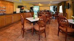Restaurant Quality Suites Chestertown