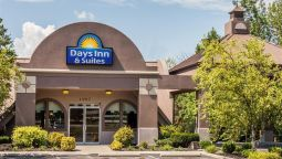 Exterior view DAYS INN & SUITES LEXINGTON