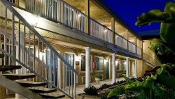 Buitenaanzicht BridgePoint Inn Daly City