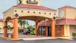 Exterior view DAYS INN FORT MYERS