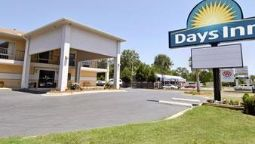 Exterior view DAYS INN CHERAW