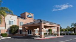 Exterior view DAYS INN LATHROP
