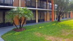 Exterior view Days Inn Fort Pierce