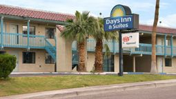 Exterior view DAYS INN & SUITES NEEDLES