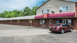 Exterior view Econo Lodge Hornell