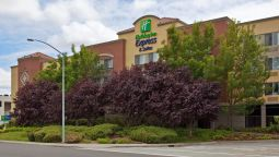 Buitenaanzicht Holiday Inn Express & Suites BELMONT