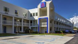 Exterior view MOTEL 6 FREDERICK MD FORT DETRICK