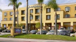 Exterior view Quality Inn & Suites Huntington Beach Fountain Valley