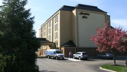 Exterior view Hampton Inn Portsmouth Central NH