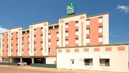 Quality Inn & Suites - Waterloo (Iowa)