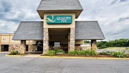 Exterior view Quality Inn Shenandoah Valley