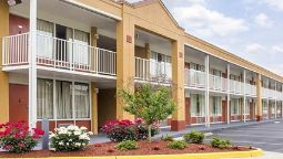 Exterior view Quality Inn Fredericksburg near Historic Downtown